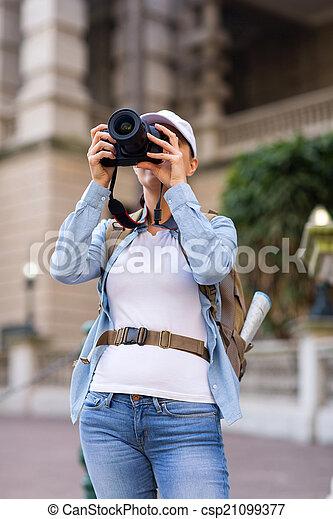 fotos, toma, viajero, hembra - csp21099377