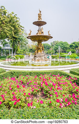 Fountains in the park - csp19280763