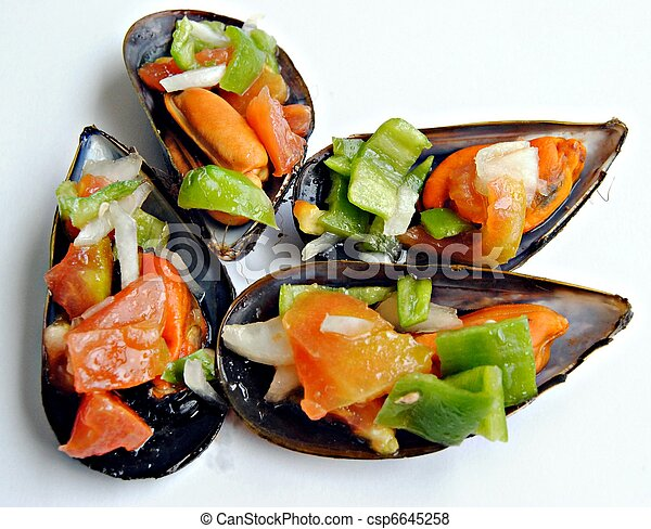 Four mussels - csp6645258
