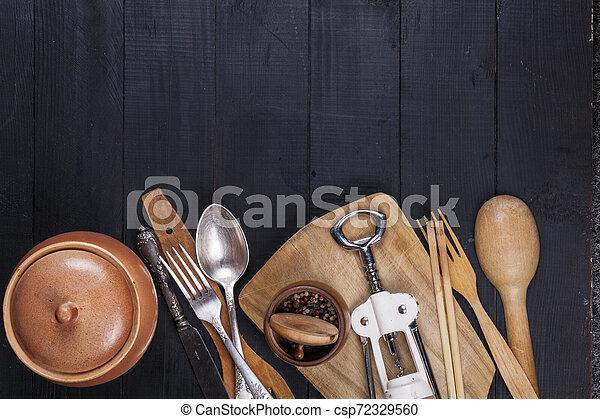 fourchette, vieux, bois, ustensiles, cuillère, tire-bouchon, table, cuisine - csp72329560