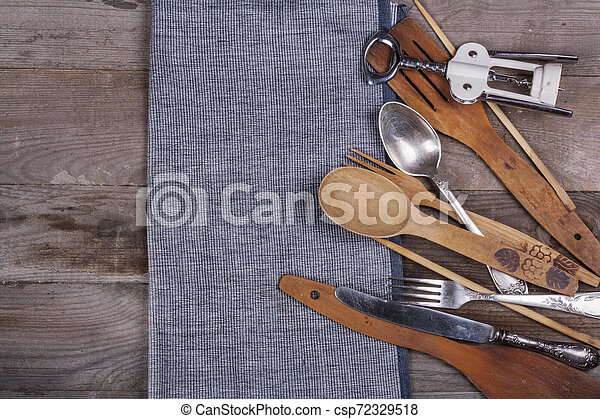 fourchette, vieux, bois, ustensiles, cuillère, tire-bouchon, table, cuisine - csp72329518