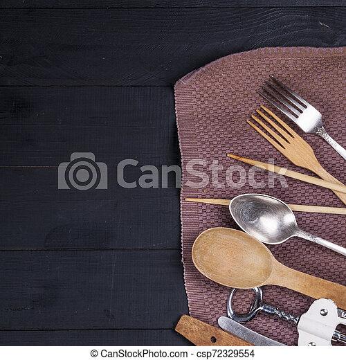 fourchette, vieux, bois, ustensiles, cuillère, tire-bouchon, table, cuisine - csp72329554