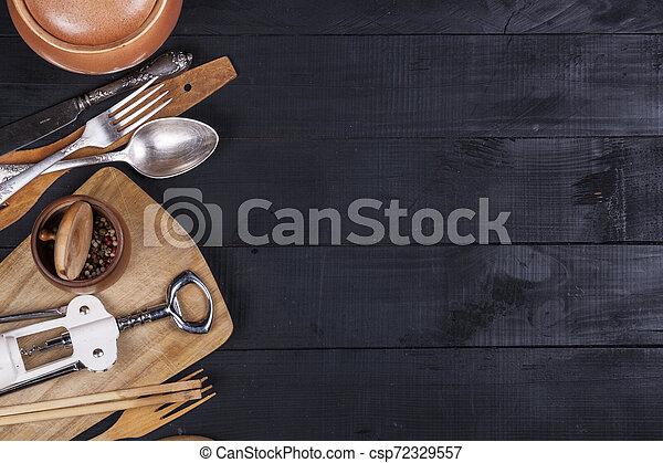 fourchette, vieux, bois, ustensiles, cuillère, tire-bouchon, table, cuisine - csp72329557