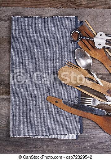 fourchette, vieux, bois, ustensiles, cuillère, tire-bouchon, table, cuisine - csp72329542