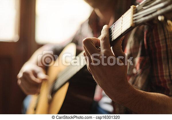 foyer., gros plan, créativité, guitare, acoustique, jouer, homme - csp16301320