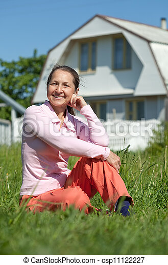 främre del, hem, kvinna, lycklig, färsk - csp11122227