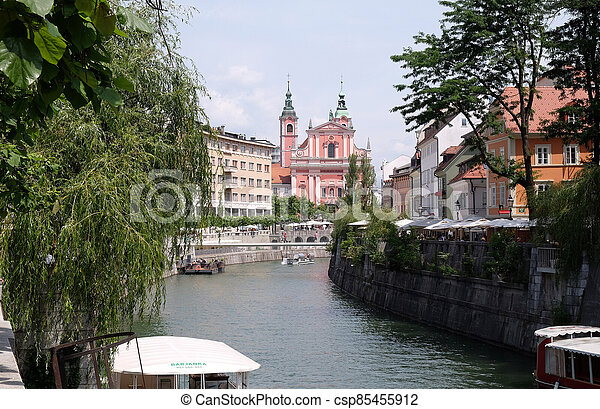 franciscan, 橋, 3倍になりなさい, スロベニア, 教会, ljubljana, お告げの祝日, 川, ljubljanica - csp85455912