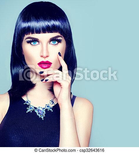 Frange Coiffure Maquillage Mode Elevee Manucure Branche Portrait Modele Girl