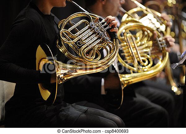 französisches horn - csp8400693