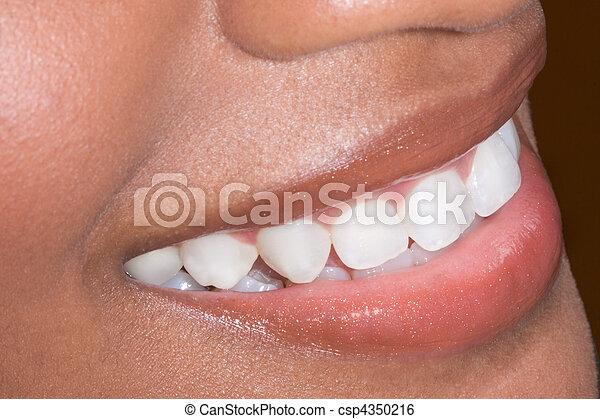 frau, african-american, ethnischer schwarzer, z�hne, closeup - csp4350216