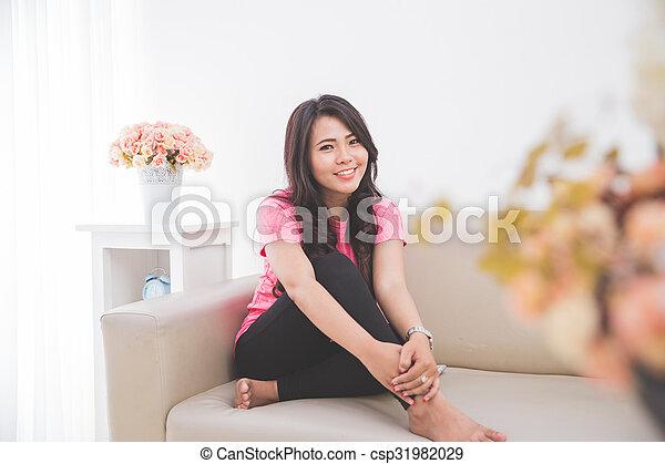 Asiatische reife Couch