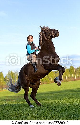 Auf pferd frau Frau auf