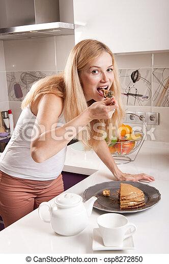 schwangere frau essen