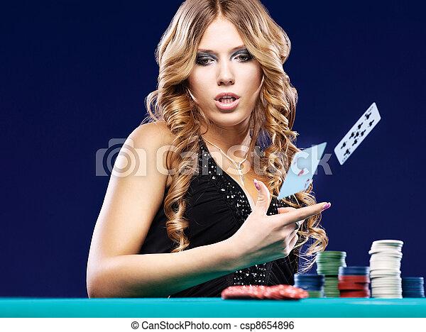 frau, geben, auf, streichholz, gluecksspiel, karte - csp8654896