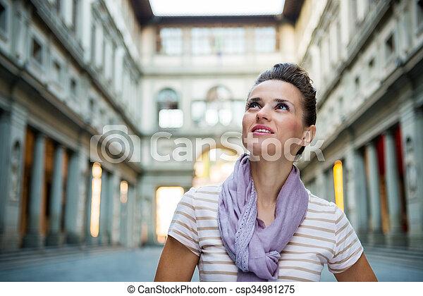 Junge Frau, Touristin in Florence - csp34981275