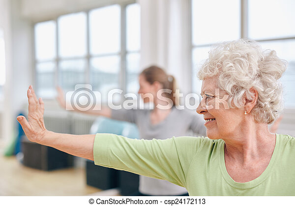 frau, joga, dehnen, älter, klasse, übung - csp24172113
