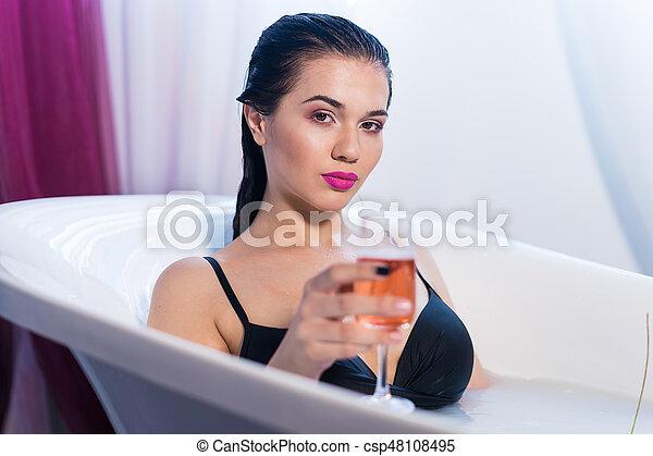 Heiß sexy im Badezimmer