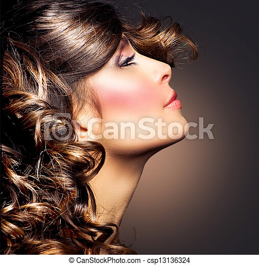 frau, schoenheit, lockig, brünett, portrait., hair., m�dchen - csp13136324