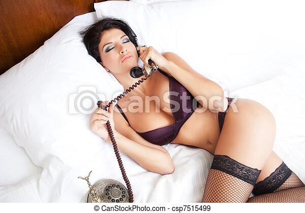 frau, telefon, erotisch, damenunterwäsche, rufen, sexy - csp7515499