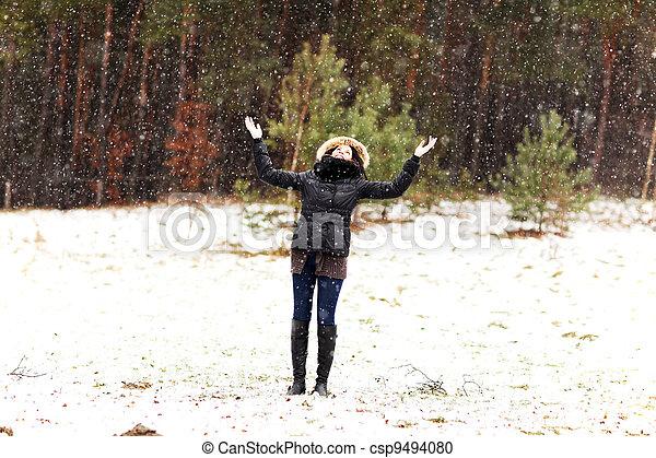 frau, winter, glücklich - csp9494080