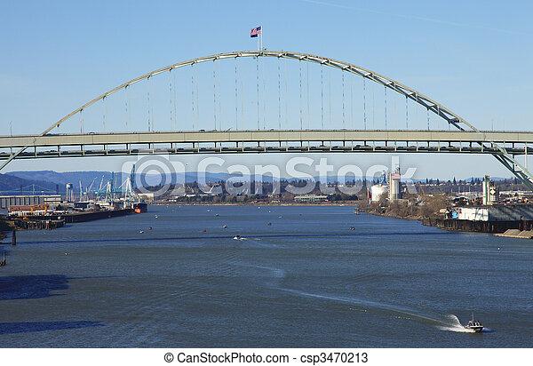 freemont, bridge. - csp3470213