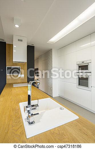 Hundirse en la cocina - csp47318186