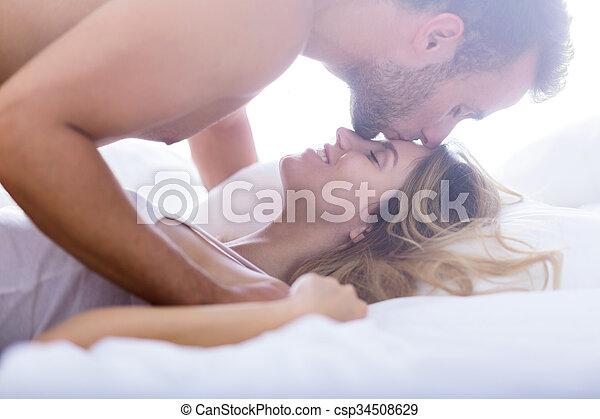 Un beso en la frente - csp34508629