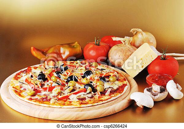 Pizza recién horneada - csp6266424