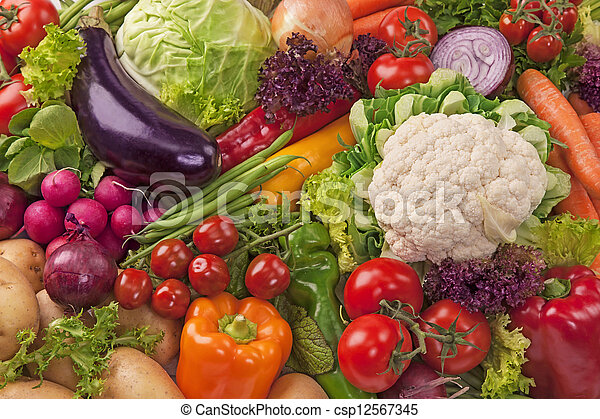 Un surtido de vegetales frescos - csp12567345
