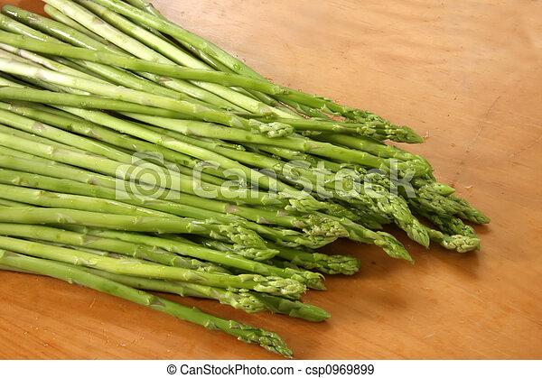 Fresh asparagus - csp0969899