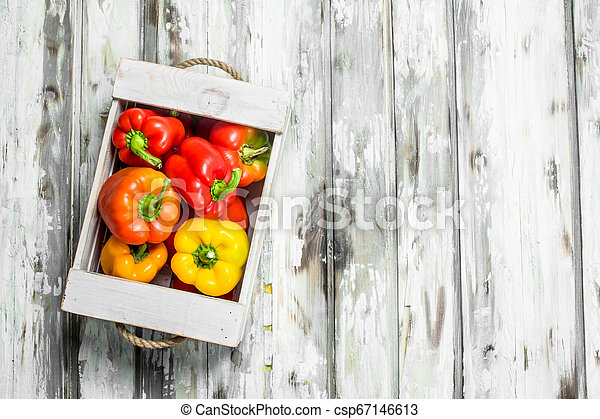 Fresh fragrant pepper in the box. - csp67146613