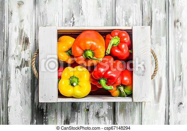 Fresh fragrant pepper in the box. - csp67148294