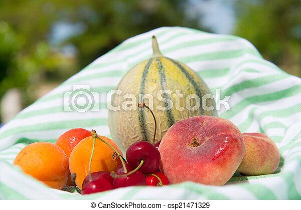 Fresh fruit assortment - csp21471329