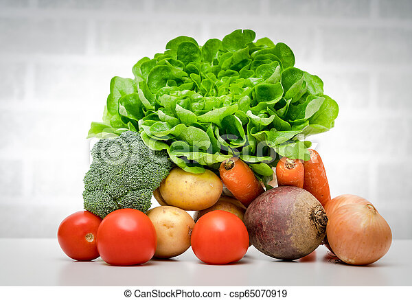 Fresh fruits and vegetables . - csp65070919
