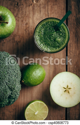 Fresh green smoothie from fruit and vegetables, healthy eating, selective focus - csp40808773