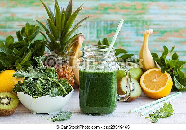 Fresh green smoothie - csp28549465