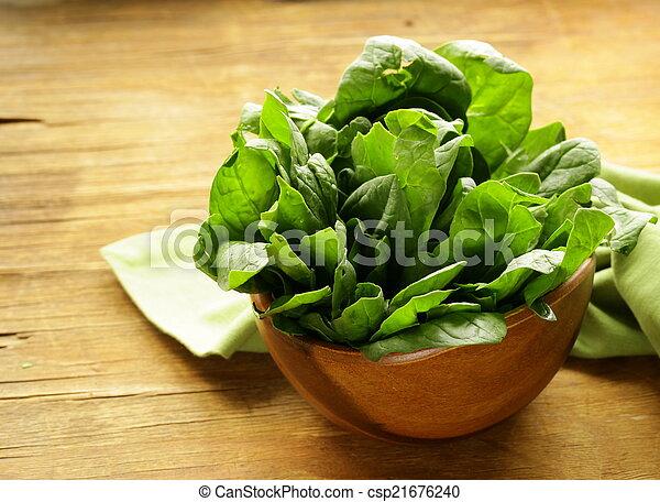 fresh green spinach organic healthy - csp21676240