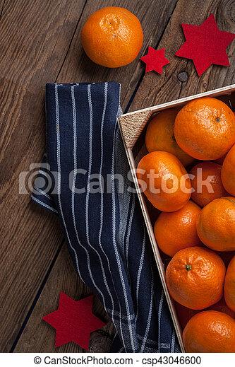 Fresh oranges in wooden box - csp43046600