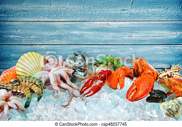 Fresh seafood on crushed ice - csp48237745