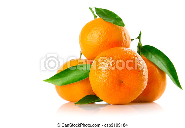 fresh tangerine fruits with green leaves isolated - csp3103184