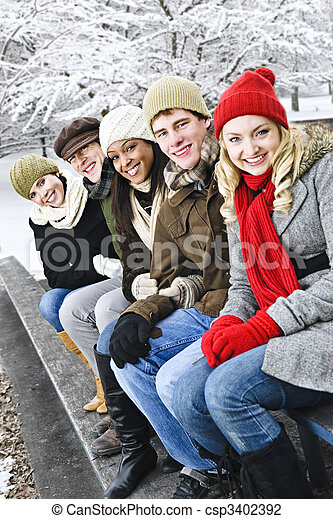 friends, draußen, gruppe, winter - csp3402392
