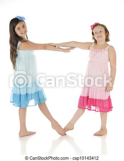 Tanzende Freunde - csp10143412