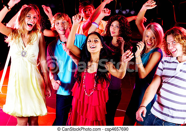 Tanzende Freunde - csp4657690