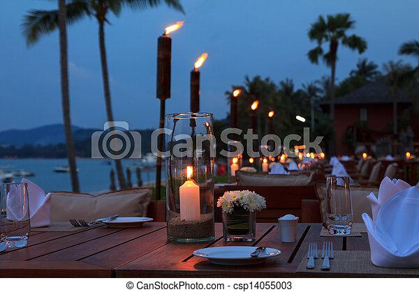 frilufts restaurang, middag, kväll, strand, inställning, bordläggar - csp14055003