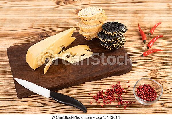 fromage, coupé, planche, pain, bois, découpage - csp75443614