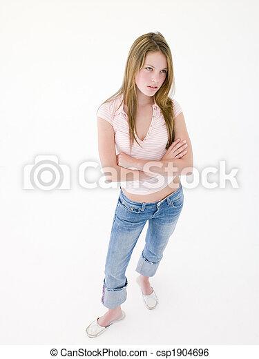 froncer sourcils, adolescent, armes traversés, girl - csp1904696