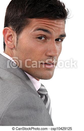 froncer sourcils homme affaires gros plan jeune portrait photo de stock rechercher images. Black Bedroom Furniture Sets. Home Design Ideas