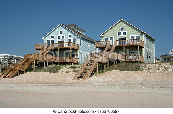 Farbige Strandhäuser - csp5780597
