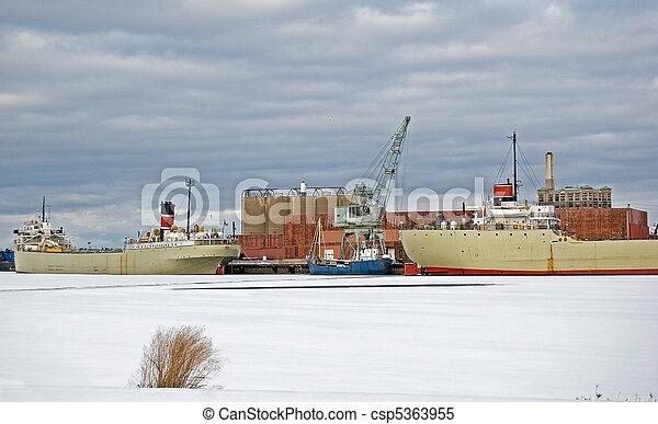 Frozen Freighter - csp5363955