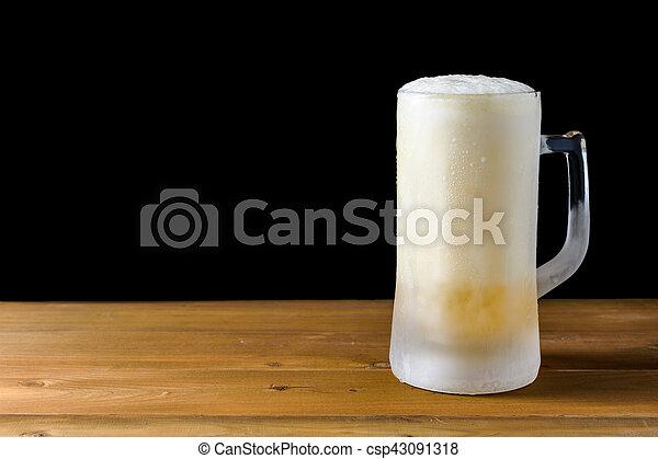 frozen glass beer - csp43091318